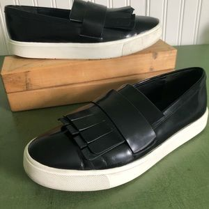 Vince COVENTRY Kiltie Slip on Shoes/Sneakers